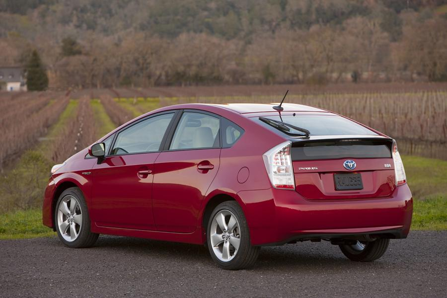 2011 Toyota Prius Reviews Specs And Prices Cars Com