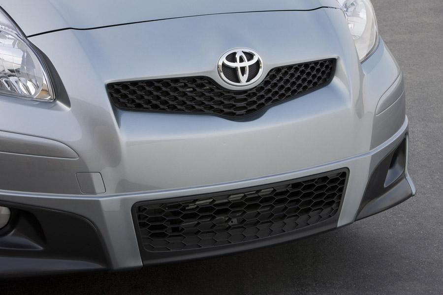 2011 Toyota Yaris Photo 5 of 20