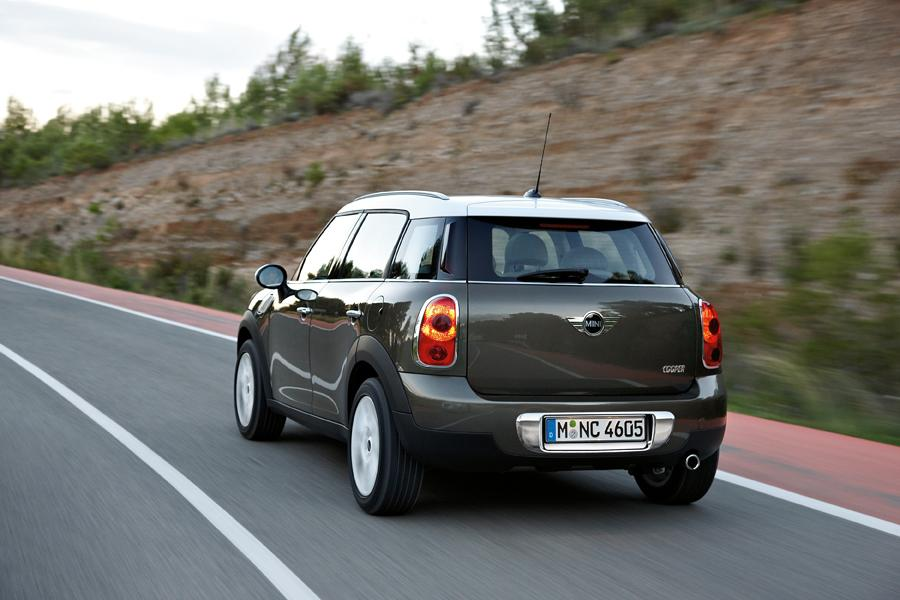2011 MINI Cooper Countryman Photo 2 of 20