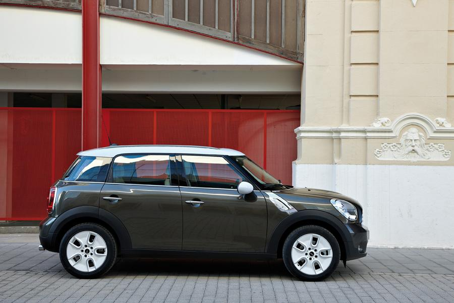 2011 MINI Cooper Countryman Photo 5 of 20