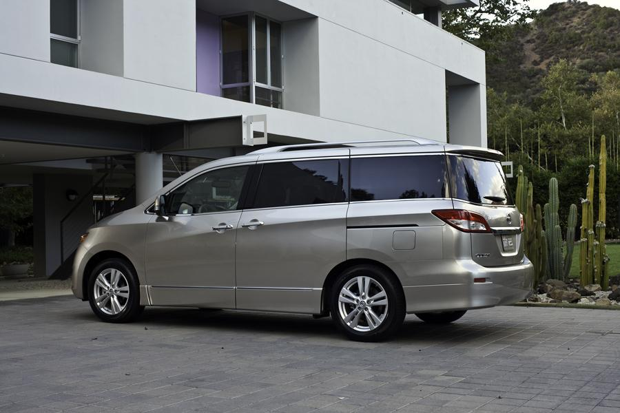 2011 Nissan Quest Photo 4 of 20