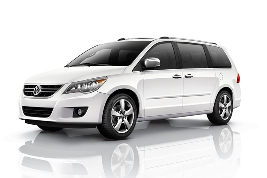 2011 Volkswagen Routan Photo 1 of 20
