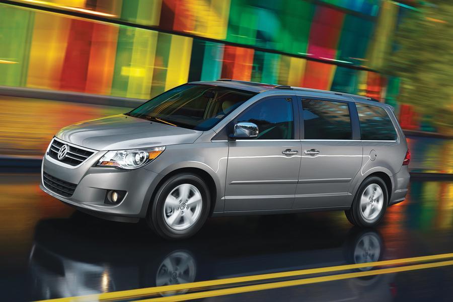 2011 Volkswagen Routan Photo 5 of 20