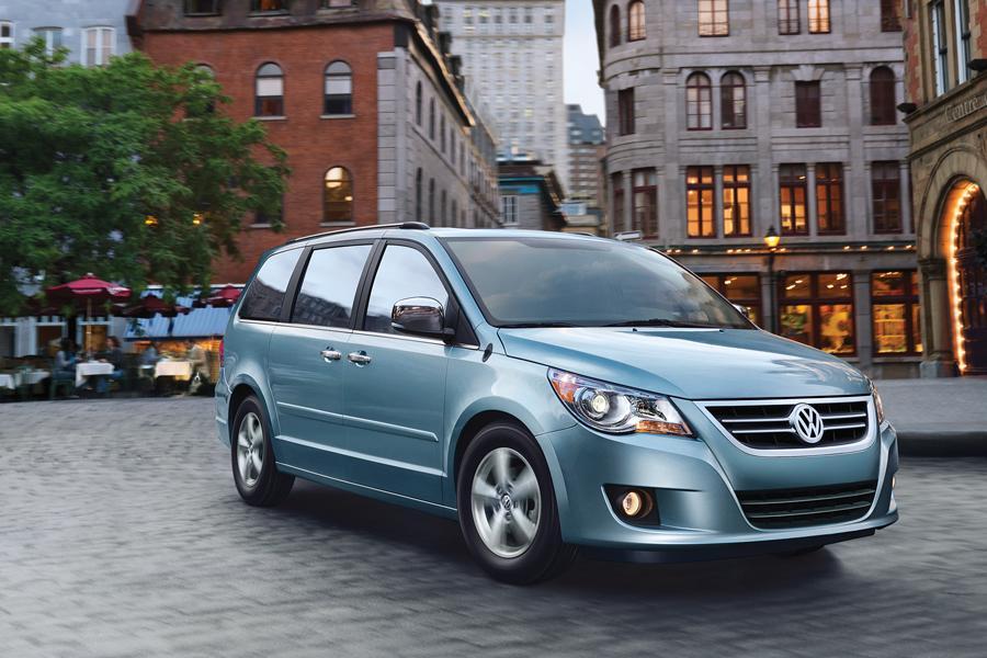 Powertrain Warranty Coverage >> 2011 Volkswagen Routan Overview | Cars.com