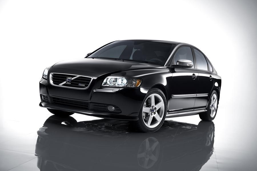 Volvo S40 Sedan Models, Price, Specs, Reviews | Cars.com