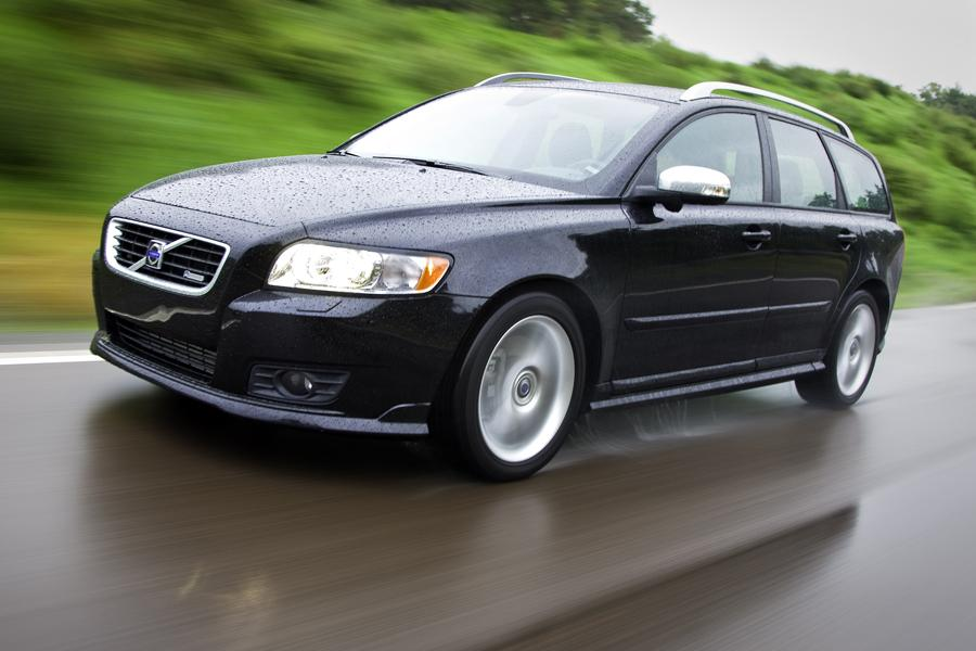 Volvo V50 Wagon Cars Com Overview Cars Com