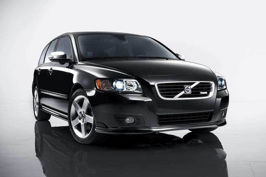 volvo v50 wagon models price specs reviews. Black Bedroom Furniture Sets. Home Design Ideas