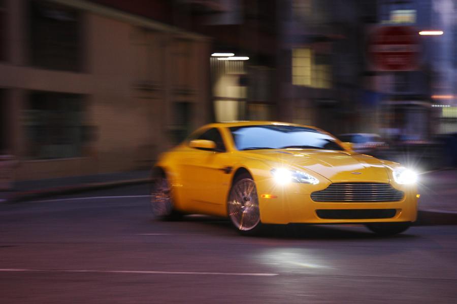 2011 Aston Martin V8 Vantage Photo 4 of 20