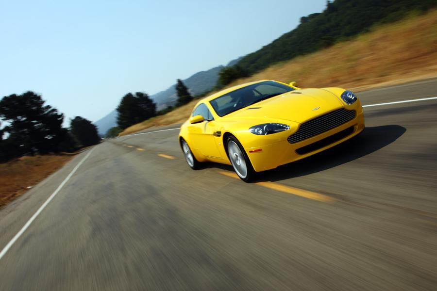 2011 Aston Martin V8 Vantage Photo 6 of 20