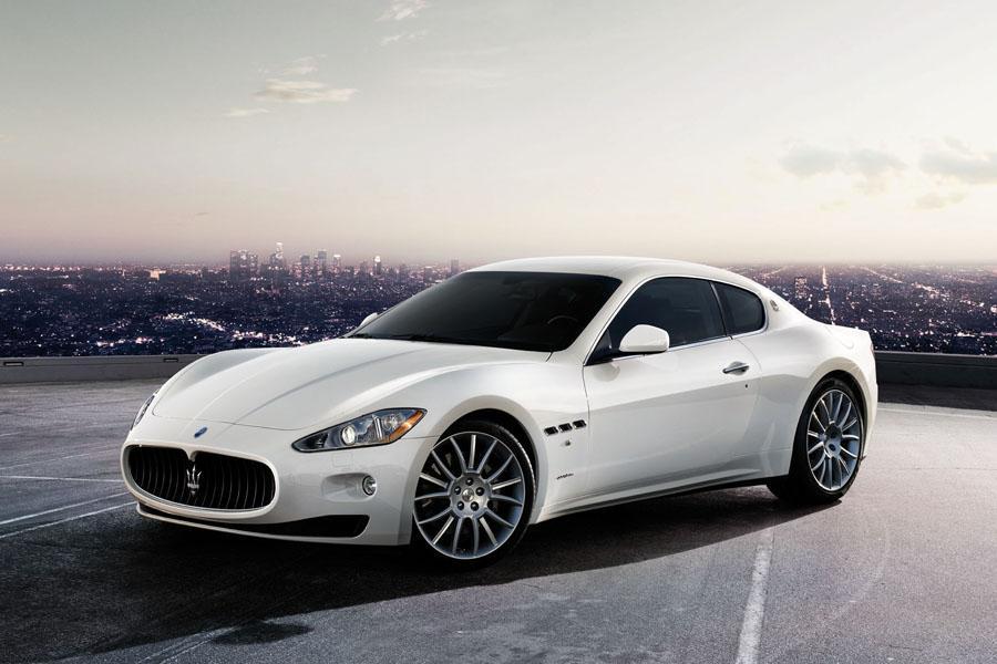 2011 Maserati GranTurismo Photo 1 of 20