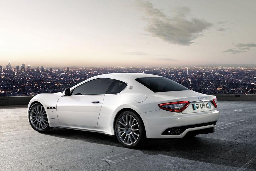 Powertrain Warranty Coverage >> 2011 Maserati GranTurismo Specs, Pictures, Trims, Colors ...