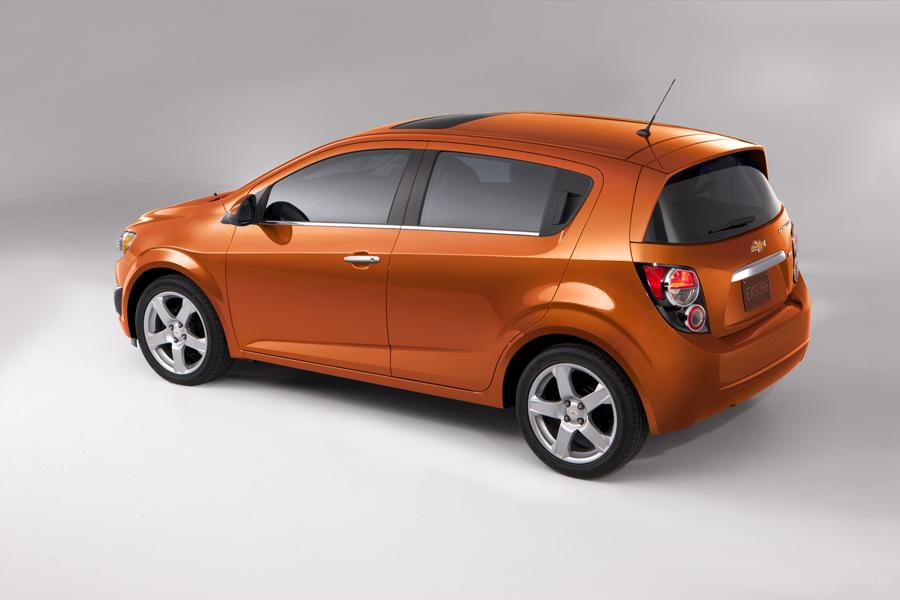 2012 Chevrolet Sonic Photo 2 of 20