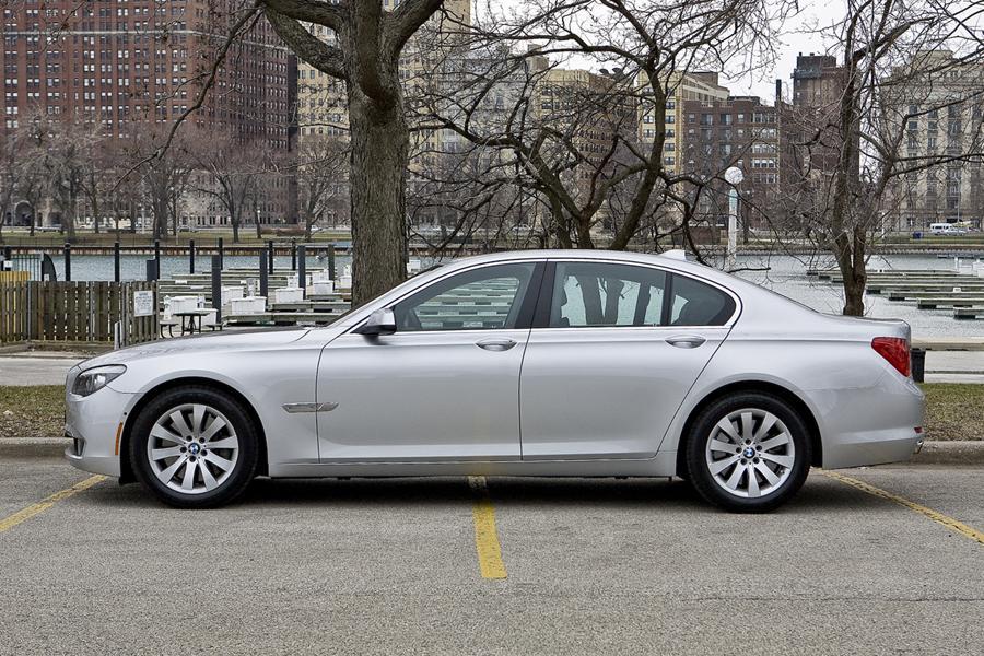 2012 BMW 740 Photo 4 of 21