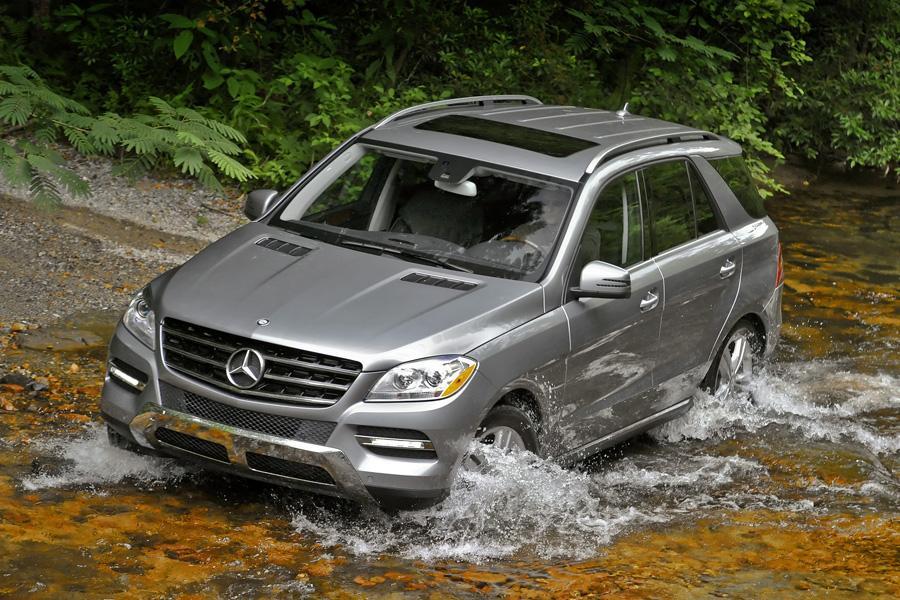 2012 Mercedes-Benz M-Class Photo 2 of 12