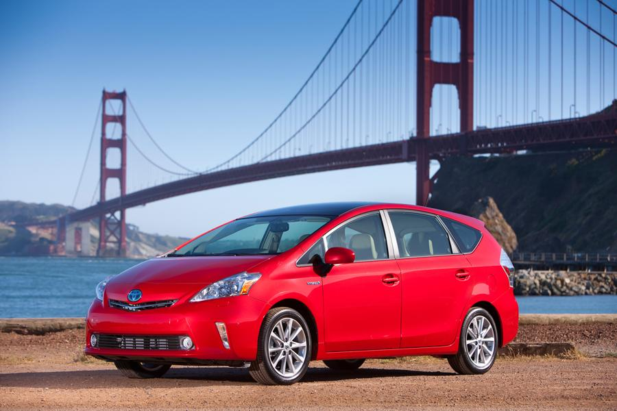 2012 Toyota Prius v Photo 1 of 22