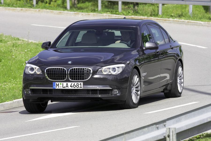 2012 BMW 740 Photo 1 of 21
