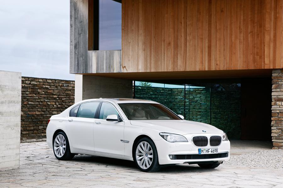2012 BMW 760 Photo 2 of 15