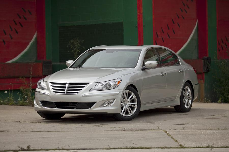 2012 Hyundai Genesis Photo 3 of 7