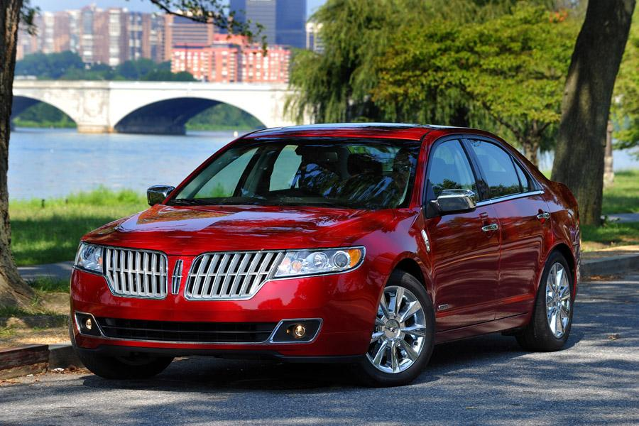 2012 Lincoln MKZ Photo 2 of 9