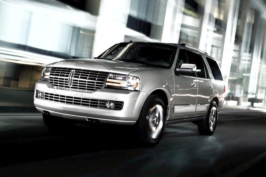 2012 Lincoln Navigator Photo 2 of 7