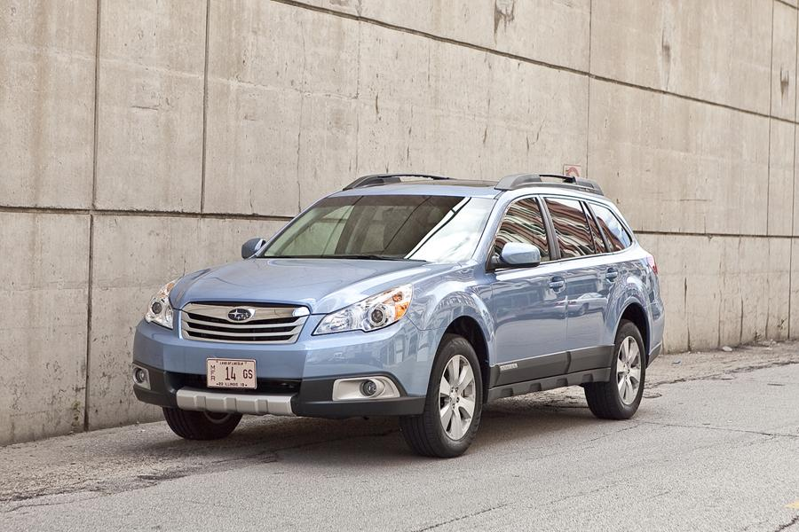 2012 Subaru Outback Photo 2 of 20