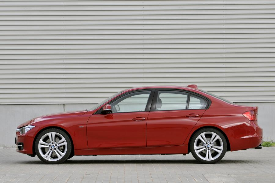2012 BMW 328 Photo 2 of 14