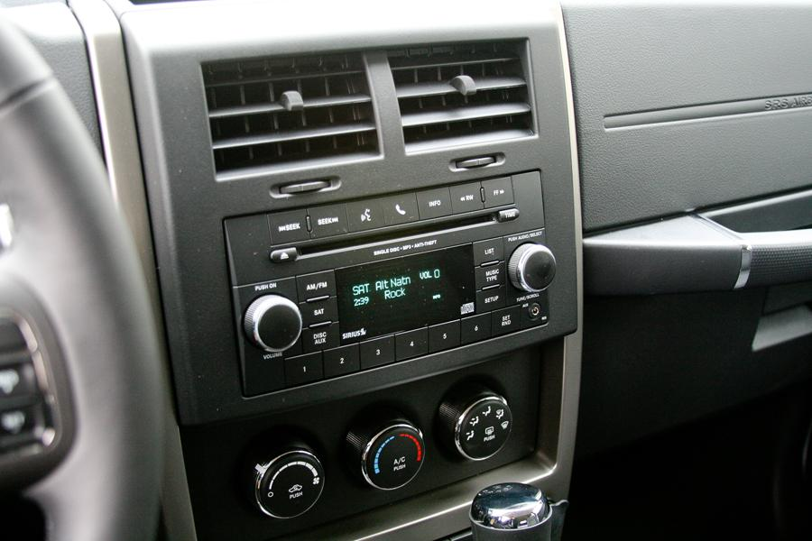 2004 Jeep Liberty Mpg >> 2012 Jeep Liberty Reviews, Specs and Prices | Cars.com