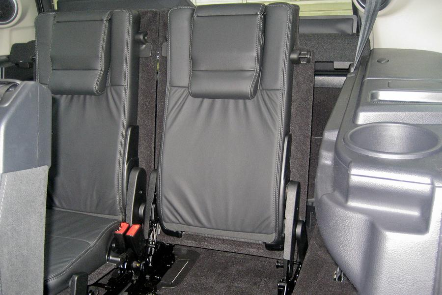 2012 Land Rover LR4 Photo 5 of 6