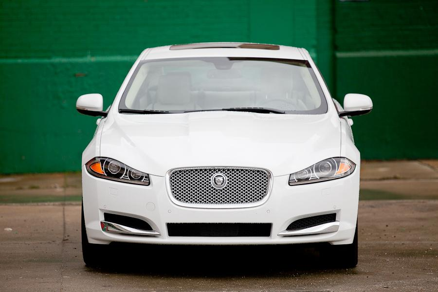 2012 Jaguar XF Photo 4 of 21