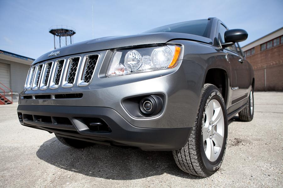 2012 Jeep Compass Photo 6 of 18