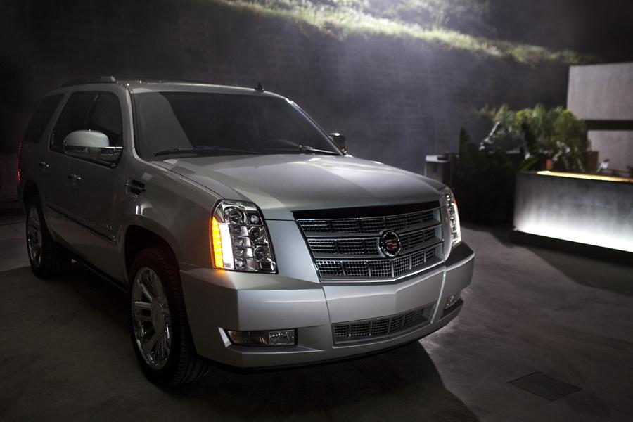 2012 Cadillac Escalade Photo 2 of 7