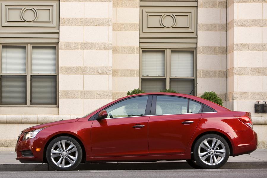2012 Chevrolet Cruze Overview Cars Com