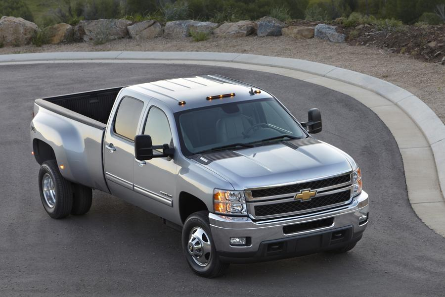 2012 Chevrolet Silverado 3500 Photo 2 of 6