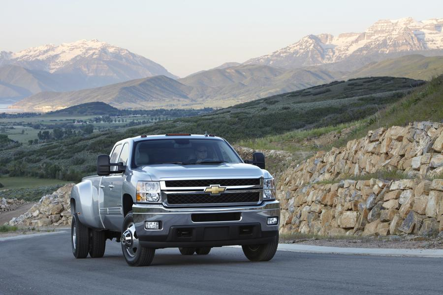 2012 Chevrolet Silverado 3500 Photo 3 of 6