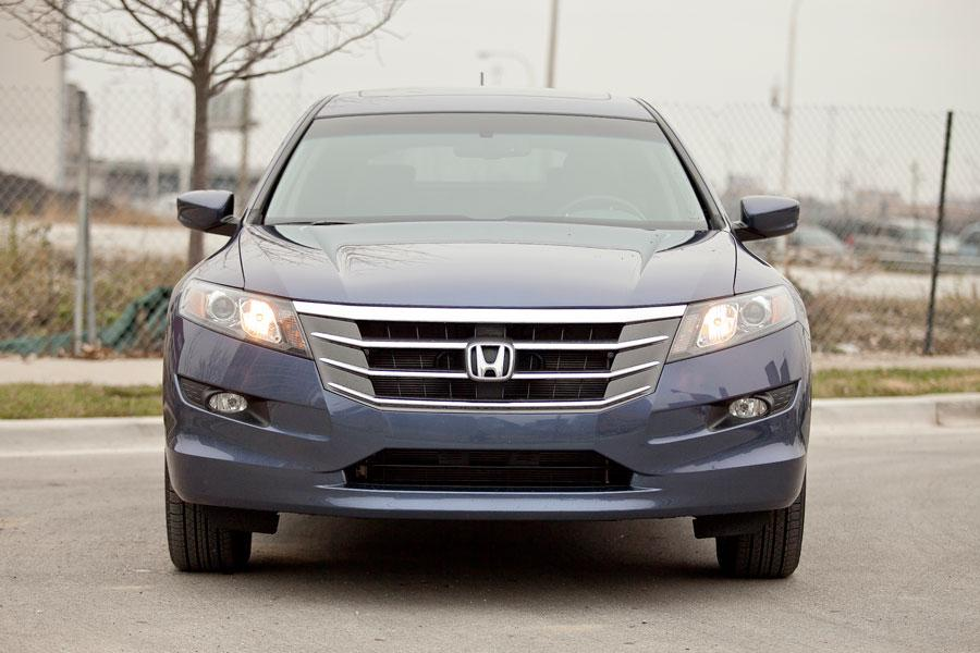 2012 Honda Crosstour Photo 2 of 5