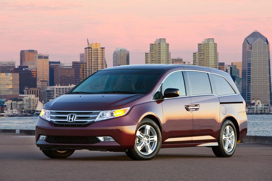 2012 Honda Odyssey Photo 2 of 5
