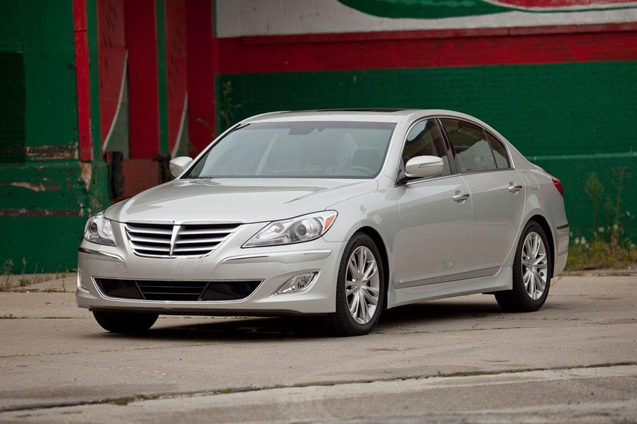 2012 Hyundai Genesis Photo 1 of 7