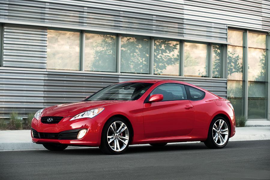 2012 Hyundai Genesis Coupe Photo 4 of 6