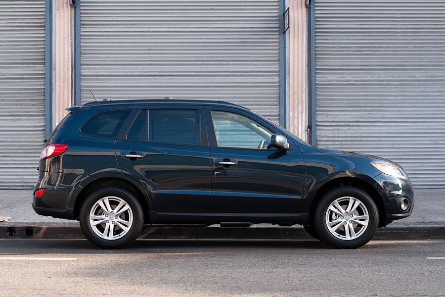 2012 Hyundai Santa Fe Photo 3 of 17