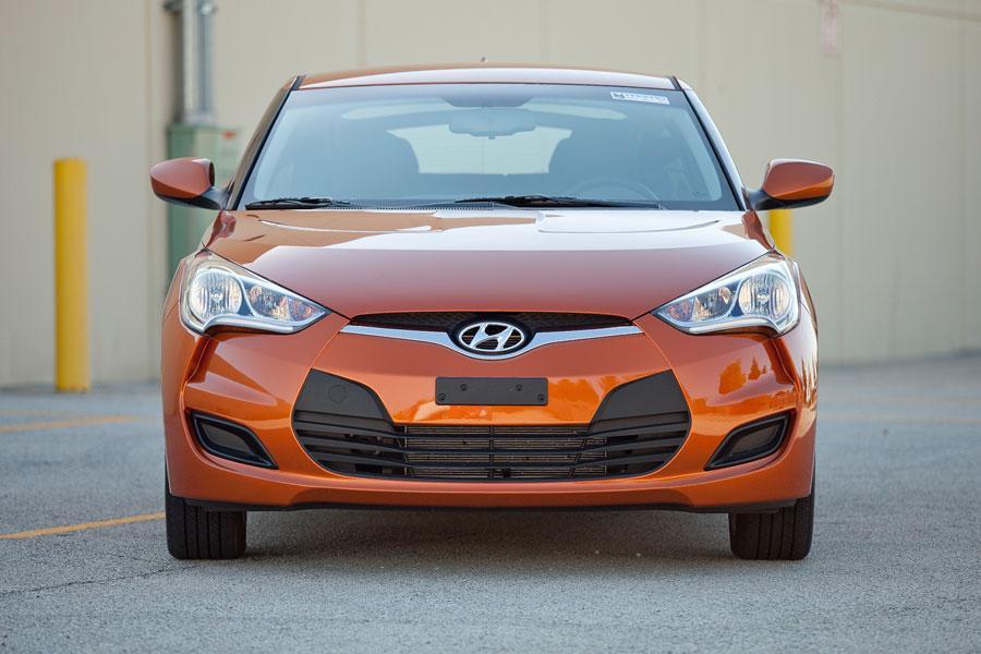 2012 Hyundai Veloster Photo 3 of 6