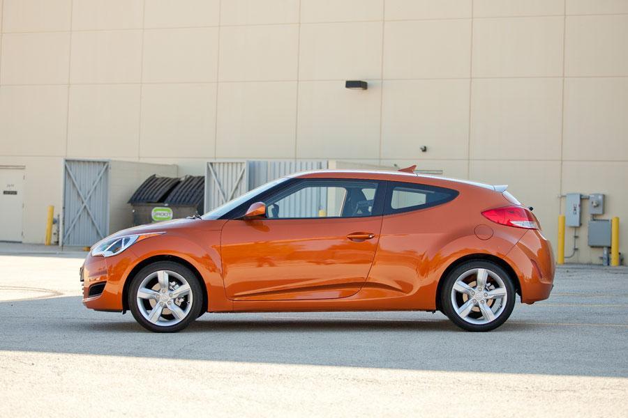 2012 Hyundai Veloster Photo 4 of 6
