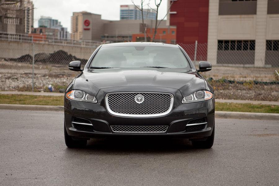 2012 Jaguar XJ Photo 2 of 24