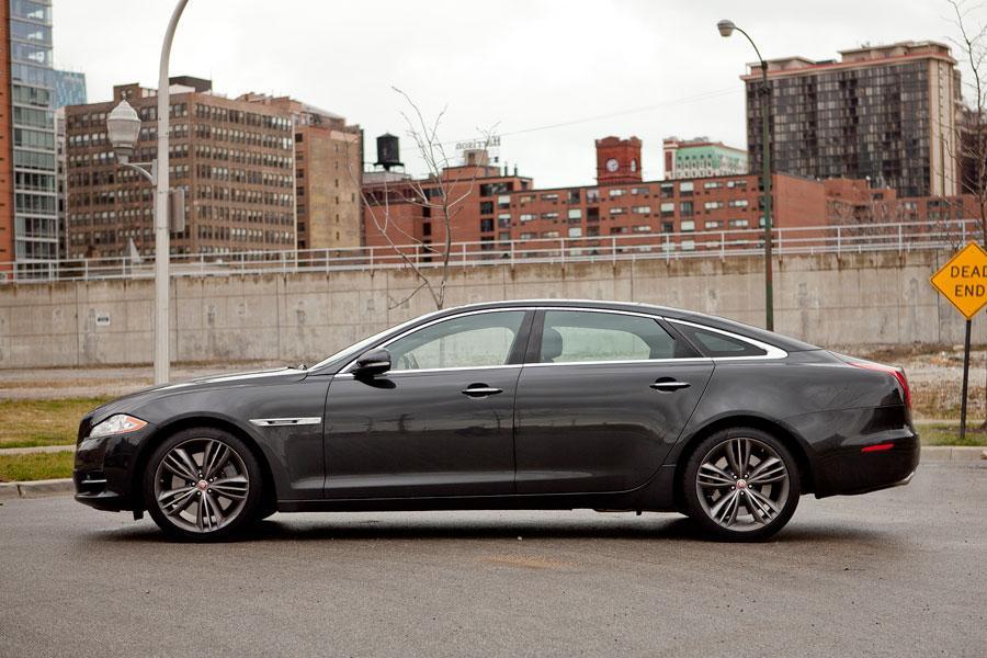 2012 Jaguar XJ Photo 4 of 24
