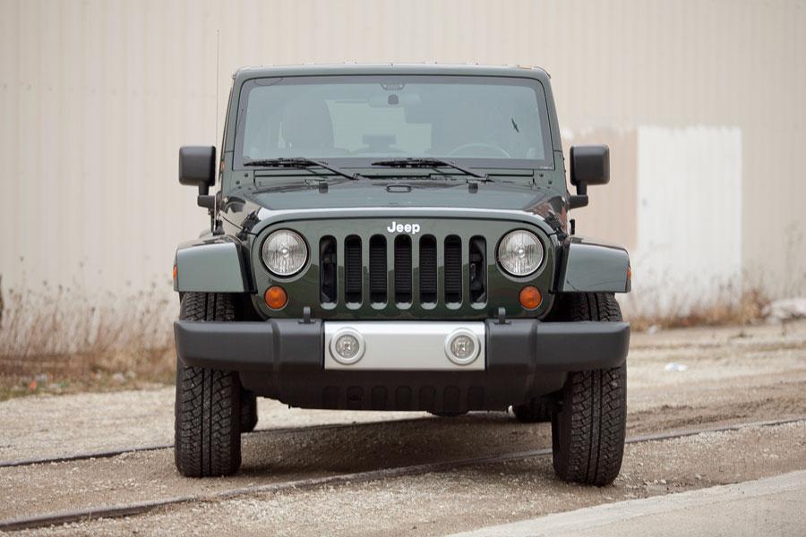 2012 Jeep Wrangler Photo 2 of 5