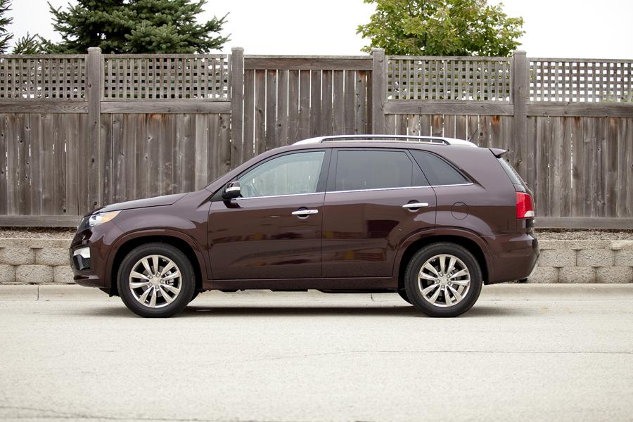 2012 Kia Sorento Photo 2 of 17