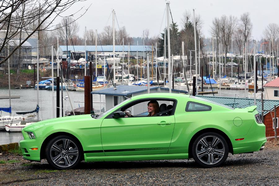 2013 Ford Mustang Photo 4 of 76