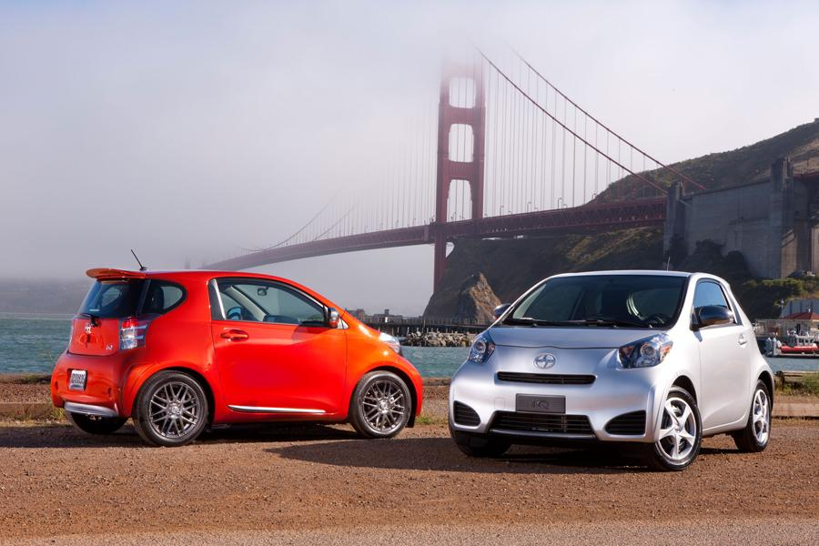 2012 Scion iQ Photo 3 of 20