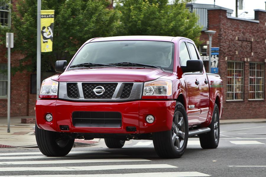 2012 Nissan Titan Photo 2 of 15