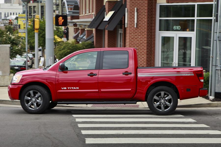 2012 Nissan Titan Photo 3 of 15