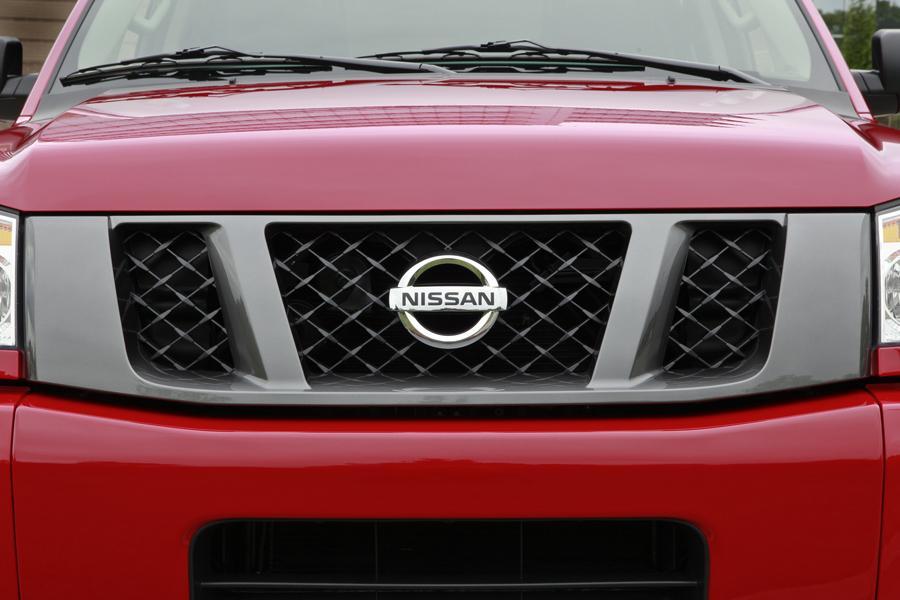 2012 Nissan Titan Photo 6 of 15